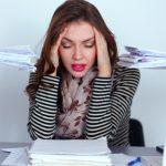 У женщины стресс на работе