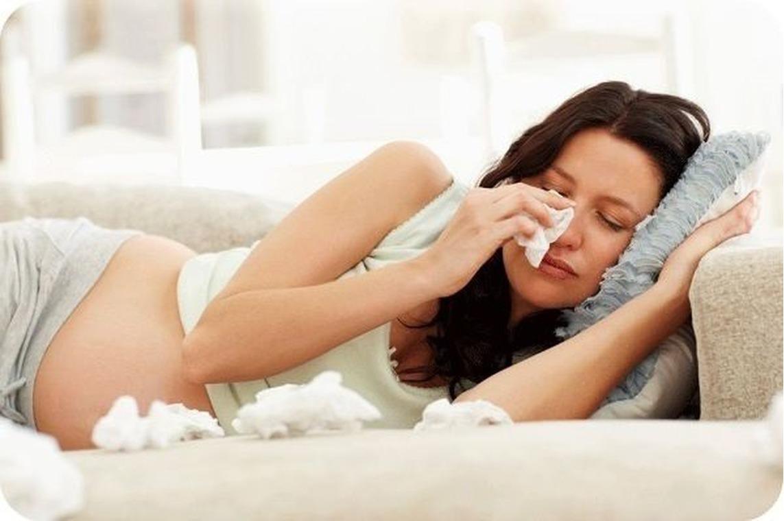 Как и чем лечить насморк будущей маме