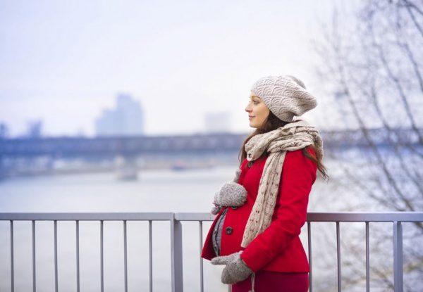 беременная на улице зимой