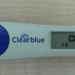 Положительный результат на экране цифрового теста Clearblue