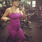 Девушка на 7 неделе беременности в спортзале