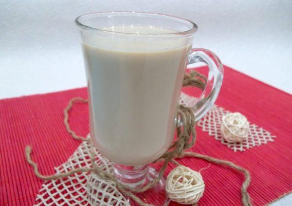 «Какао» из цикория в прозрачной чашке