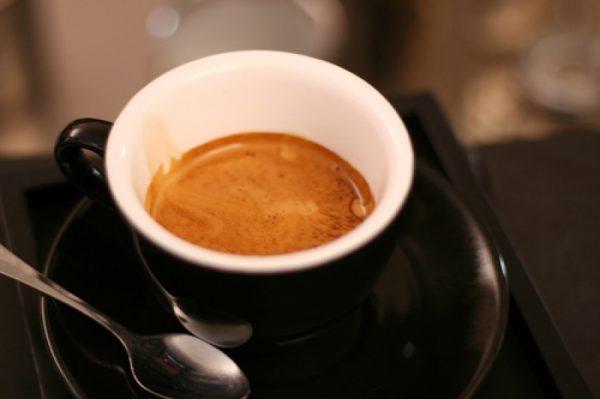 кофе эспрессо в чашке