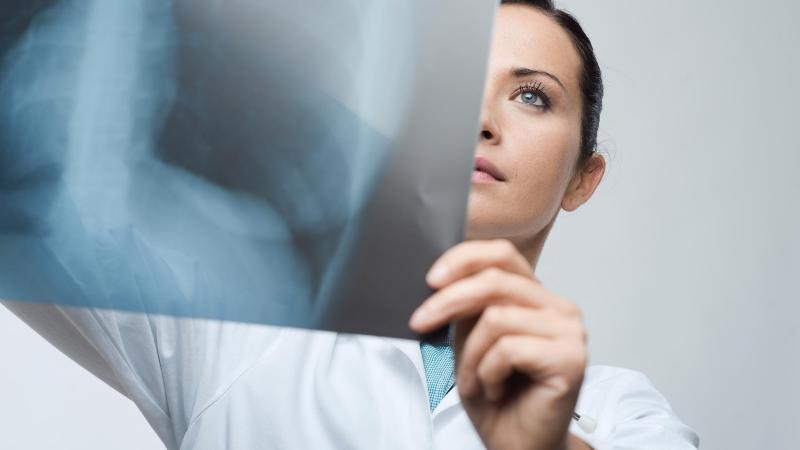 Рентген при беременности: опасен или нет?
