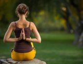 йога наклон вправо