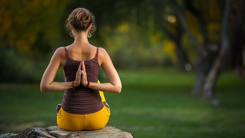 Йога в первые месяцы беременности: польза или вред?
