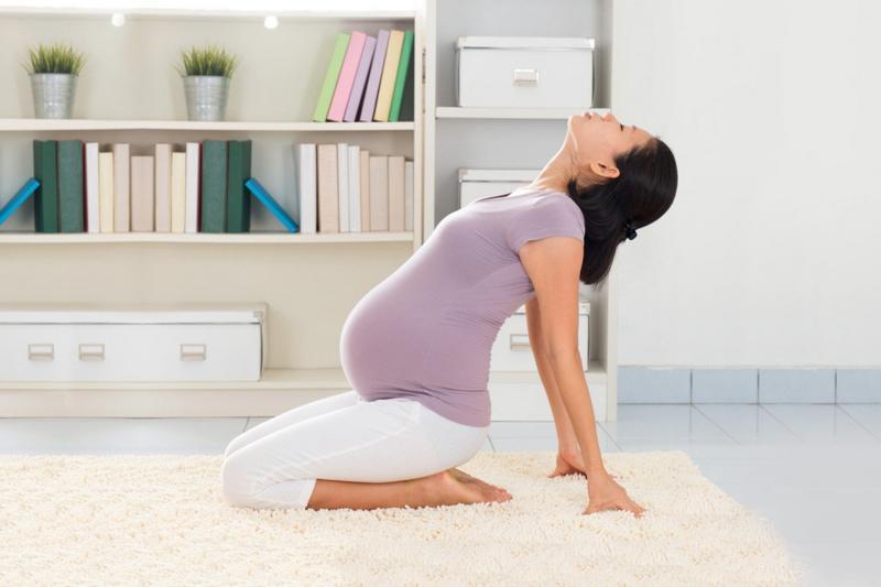 Йога в третьем триместре беременности: разрешённые асаны и техника выполнения